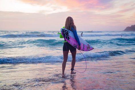 Surf : l'image poétique de Pauline Ado qui invite à vivre ses rêves